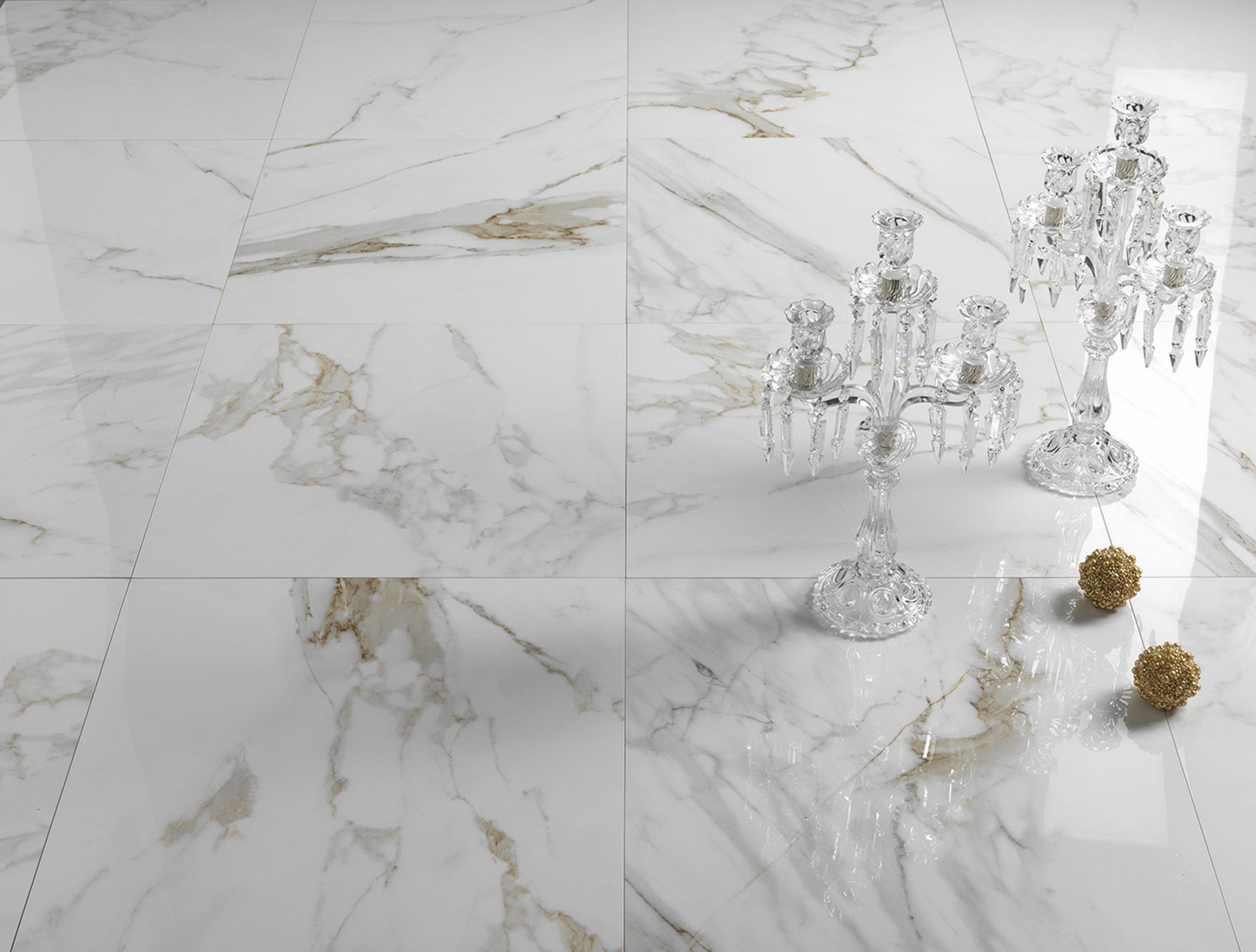 Bodenfliesen in Marmoroptik